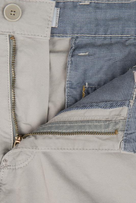 Pantaloni scurti slim gri uni