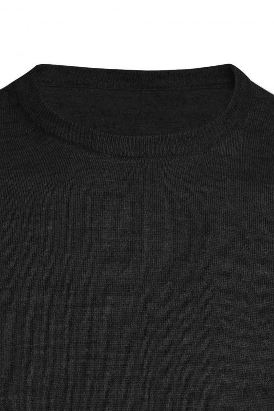 Pulover negru guler rotund